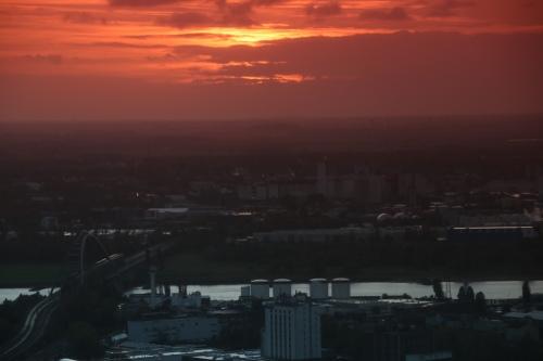 Düsseldorf/Neuss (vom Rheinturm aus aufgenommen)